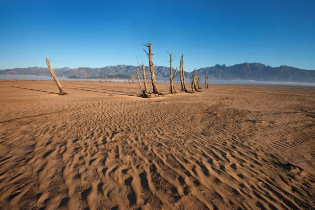 Водохранилище города Кейптаун рекордно обмелело за последние годы